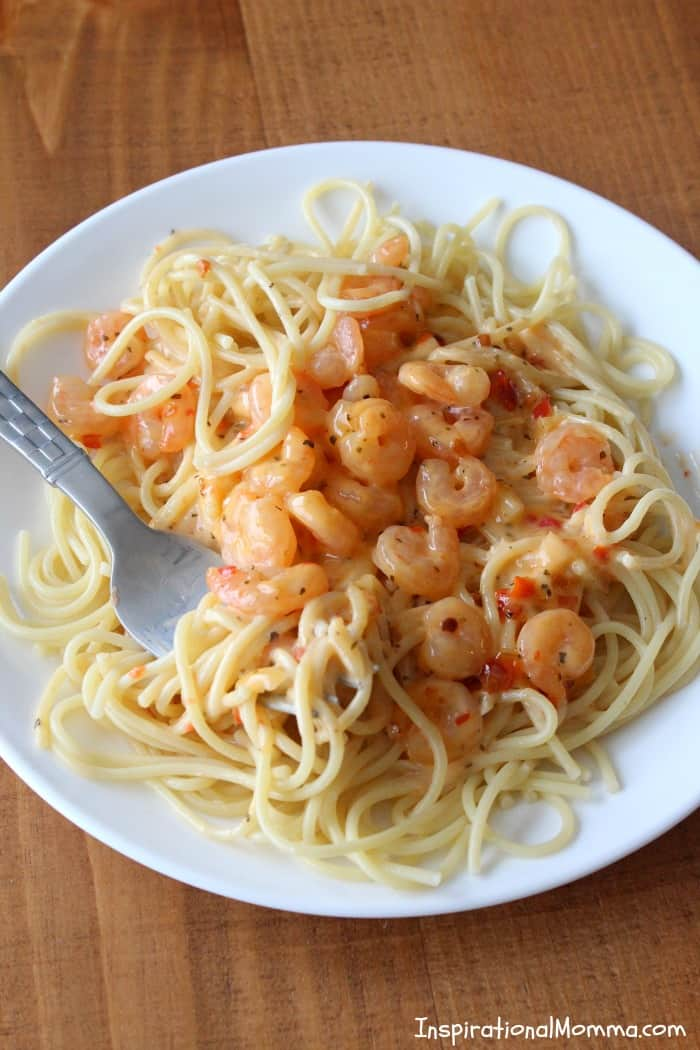 With just four ingredients, this Sweet & Sassy Shrimp Pasta will blow your mind. The flavors are so delicious and intense, you will be running for seconds.