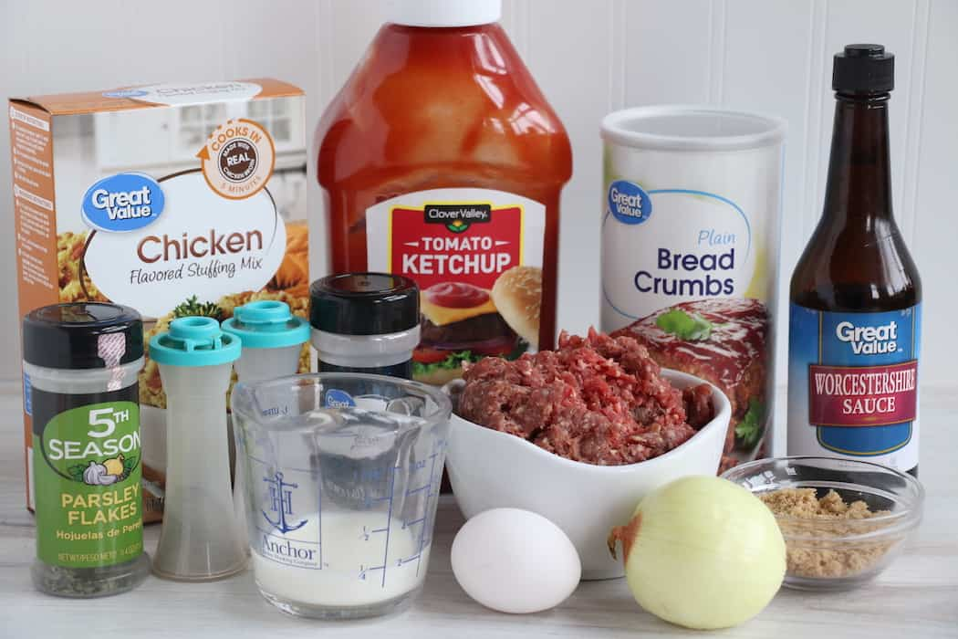 Ingredients for Easy Homemade Meatloaf.